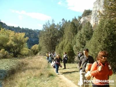 Cañón de Río Lobos - gente senderista; ropa de montaña; hiking